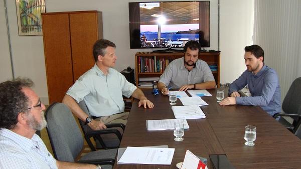 Participaram do evento, pela Unifei, os professores Marcel Fernando da Costa Parentoni, Rogério Frauendorf Coimbra e Maurílio Pereira Coutinho e o professor belga Benjamin Valkenborgh.