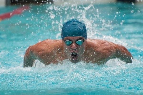 Arthur Rossi de Paiva, da Unifei da Itabira, conquistou medalha de ouro em todas as provas que disputou: nado borboleta e nado livre, ambas nos 50 e 100 metros.